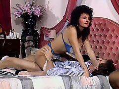 Teresa Orlowski - Mieux q une poupee gonflable