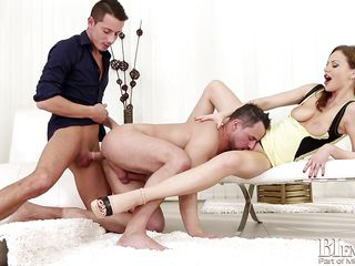 they pulled off the triple stack @ bi swingers