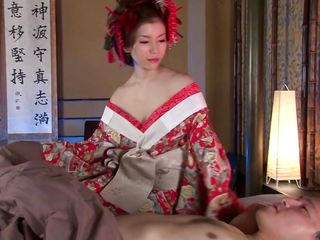 japanese geisha pleases his cock