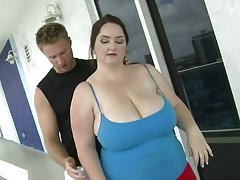 Mature bbw fucked in the balcony