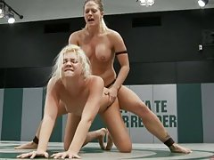 Blonde Milf And Teen Fucking In the Middle Of The Ring With A Strapon