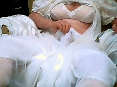 PUT ON YOUR SILKIES AND CUM WITH ME