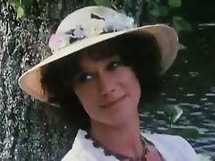 Helen Mirren = Mrs. Reinhardt