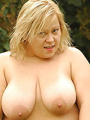 Outdoor Cock Riding Fatty Helga