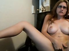 Girlfriend gets Orgasm on Cam